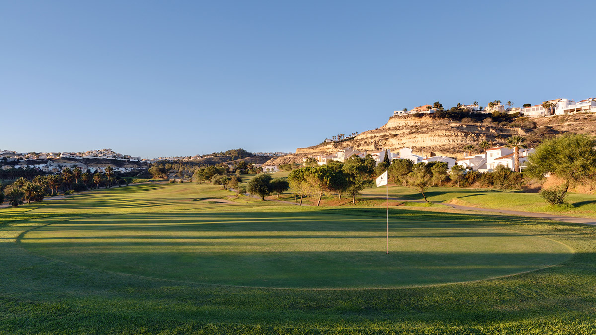 La Marquesa golf course: two minutes from your house